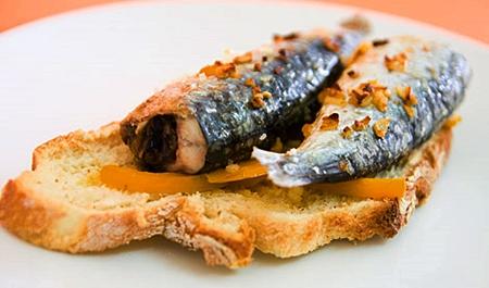 Petisco de sardinhas ao forno