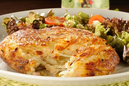Batata rösti com peito de peru e gorgonzola
